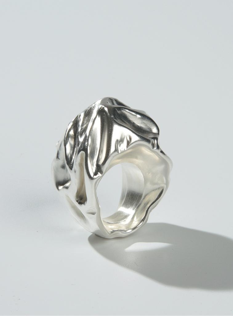 JosJonkergouw_ring10_zilver_prop